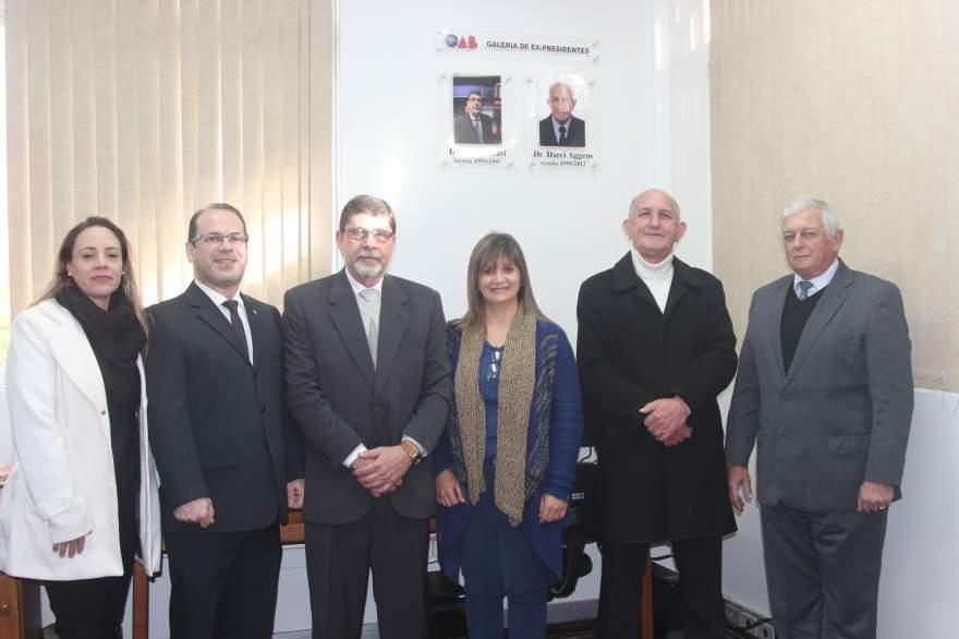 Atual diretoria da OAB Subseção Candelária com os ex-presidentes homenageados