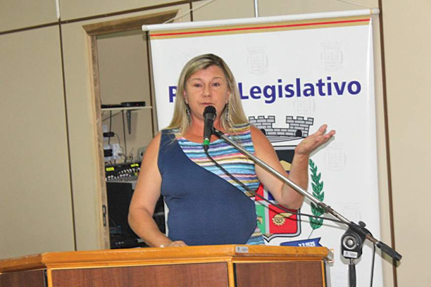 Vereadora Jaira Diehl ingressou com ação no Ministério Público para apurar preço dos combustíveis praticados em Candelária