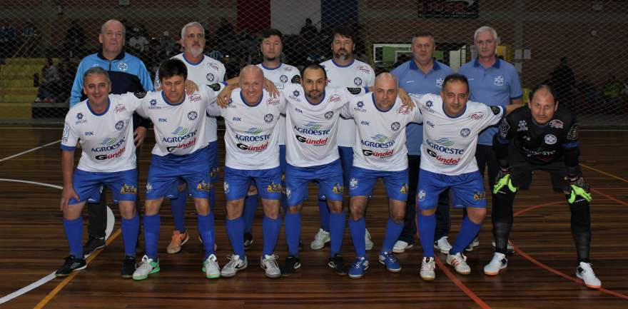 A equipe do Olarias, na categoria veteranos