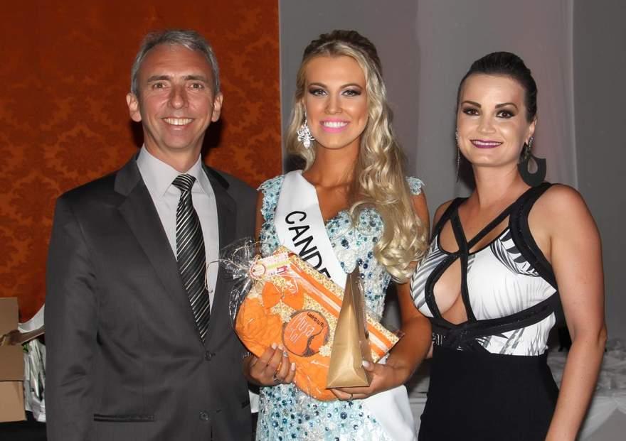 As candidatas receberam um mimo do prefeito Paulo e brincos da Ana Biju