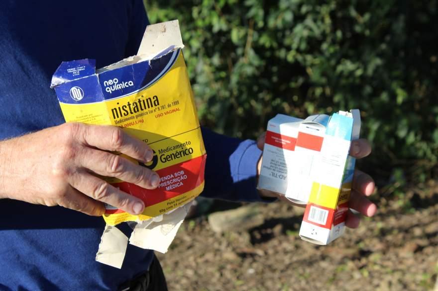 Remédios jogados depositados de forma irregular podem causar contaminação