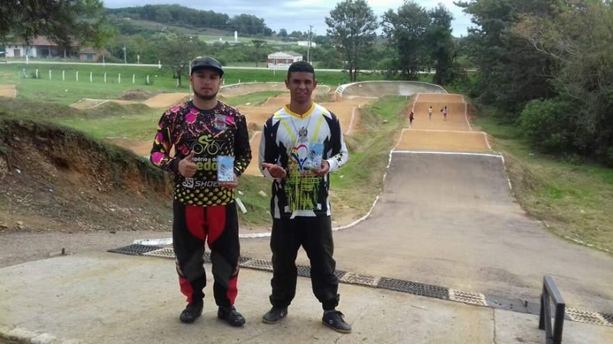 Lucas Santiago e Tiago Vieira obtiveram resultados positivos em Bagé