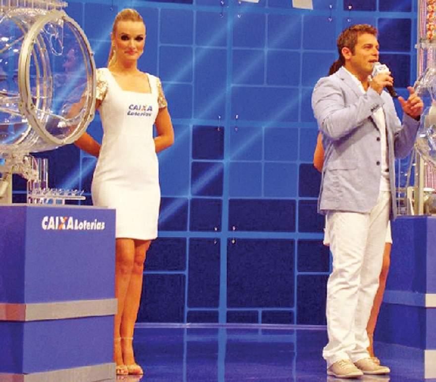 Em 2013, Fabrina Diehl trabalhou no sorteio da Mega Sena da Virada com o ator e apresentador Luigi Baricelli