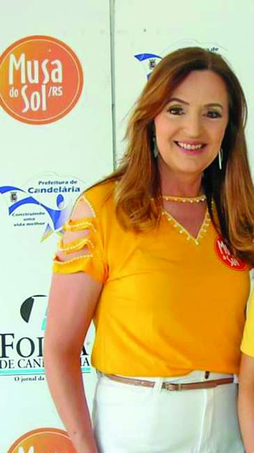Jacqueline Heinze, coordenadora de passarela do Musa do Sol e apresentadora da TV Catedral.