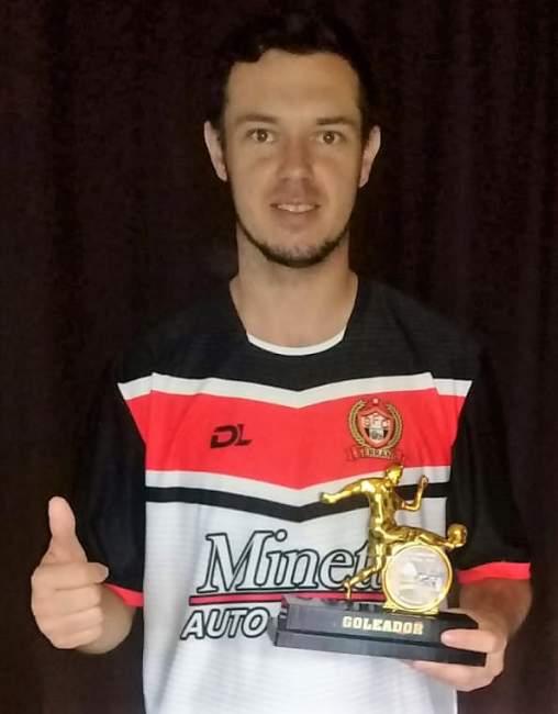 Renato, da equipe do Serrano, foi o goleador da categoria livre