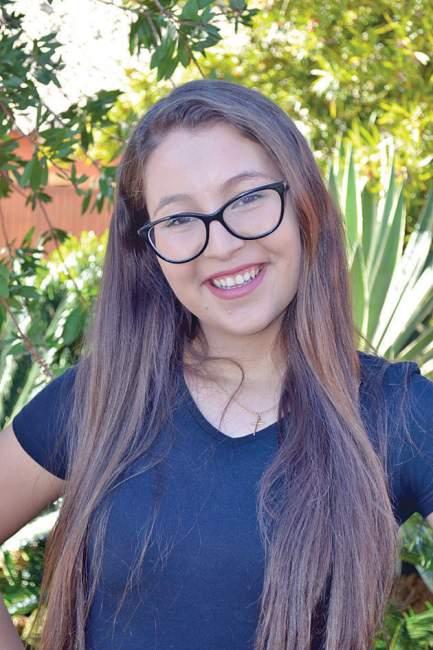 Bianca Oliveira, 21 anos