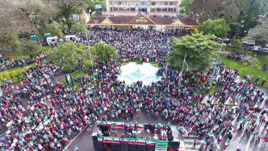 Evento iniciou em frente ao Parque da Oktoberfest em Santa Cruz do Sul