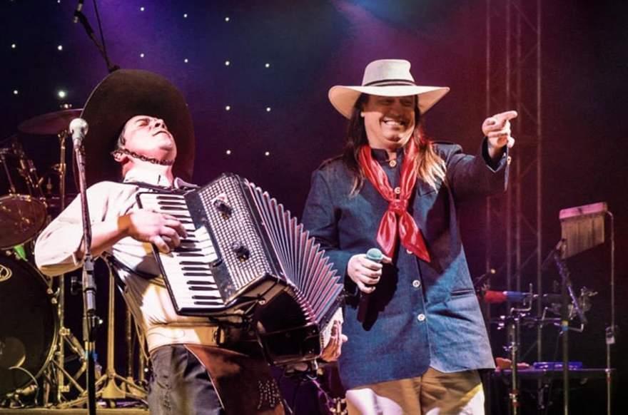 Machado e Marcelo do Tchê se apresentam neste sábado, 3, no Salão Diehl em Cerro Branco
