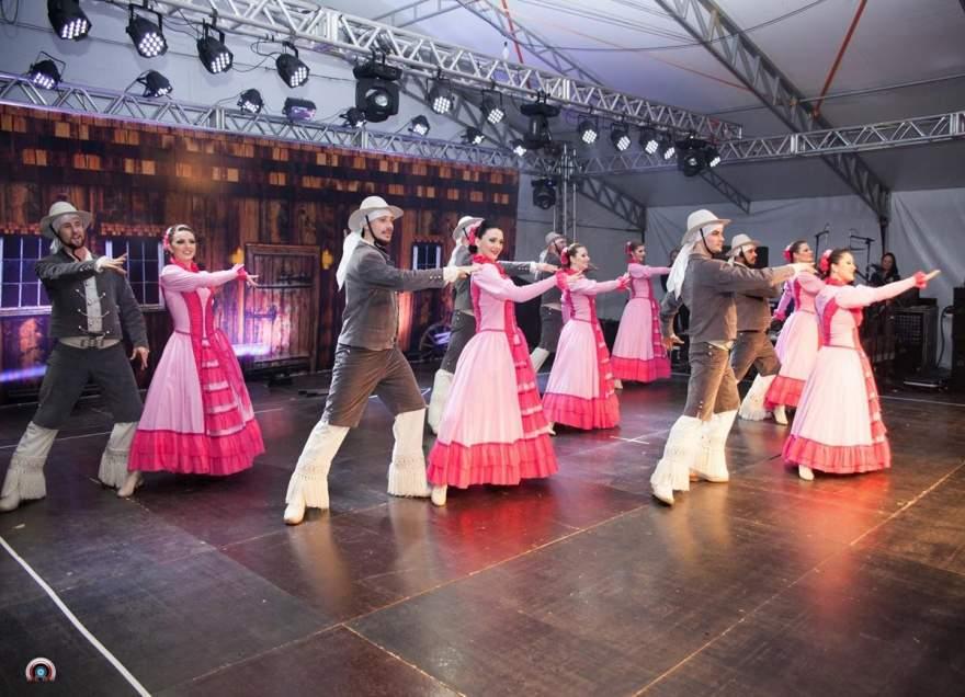 Grupo conta com 20 dançarinos e irá apresentar oito números aos candelarienses