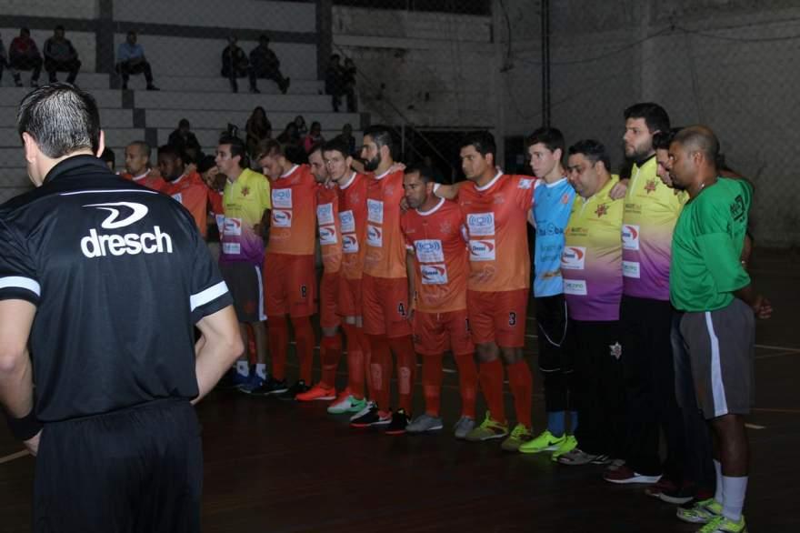 Antes da partida, foi respeitado um minuto de silêncio em homenagem ao funcionário do Colégio Medianeira José Augusto Kolbe, falecido tragicamente