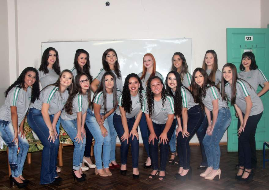 As candidatas a Rainha e Princesas da Escola Lepage