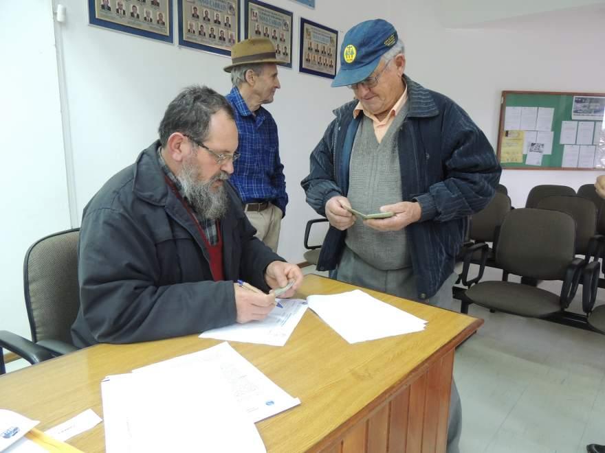 Nildo Renner (de azul ao fundo) é o atual conselheiro e concorrer novamente ao posto