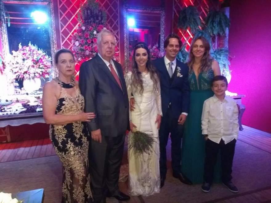 Elisabete Rohrs e Clayrton Grehs, Samanta e Williams, Flávia Rohrs e o filho Estevam