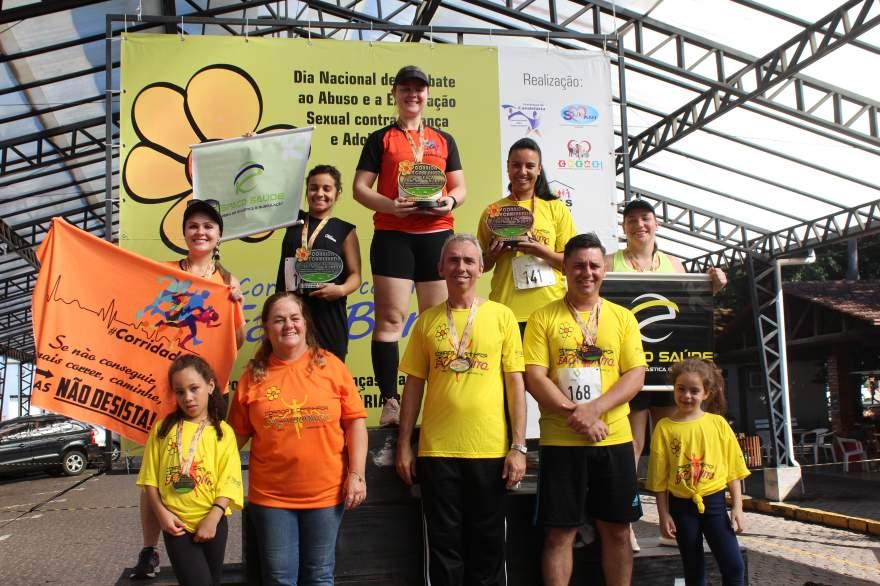 Premiação 25/29 anos feminino 4km