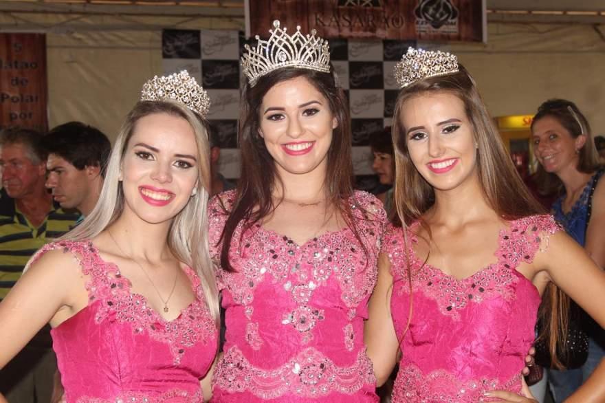 As Soberanas do Município Cassia Siqueira, Diovana Alves e Daniela Arrial