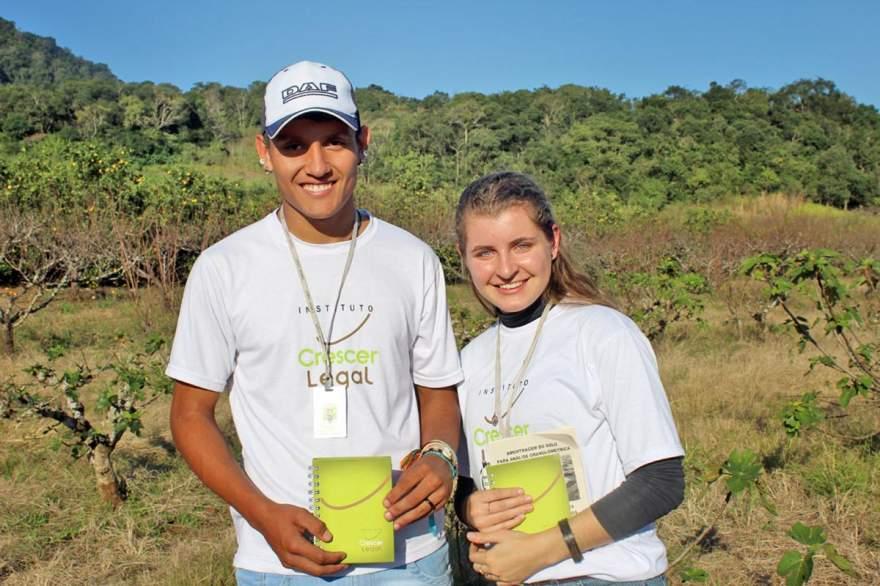 Ezequiel e Vanessa destacaram a importância da atividade e do estímulo ao jovem em continuar no campo com qualidade de vida