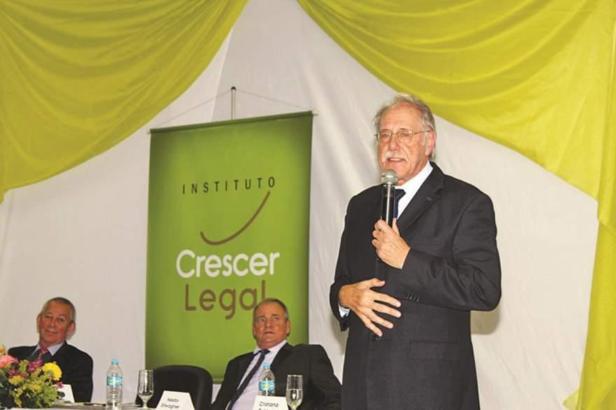 Iro Schunke elogiou turma de Candelária, a primeira formada pelo Instituto Crescer Legal