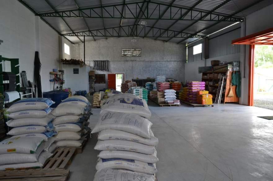 Empresa construiu novo depósito de 450m² para acomodar produtos