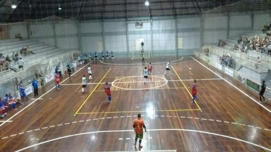 Partida contra o Três Coroas Futsal foi disputada no Ginásio Armando Brusius
