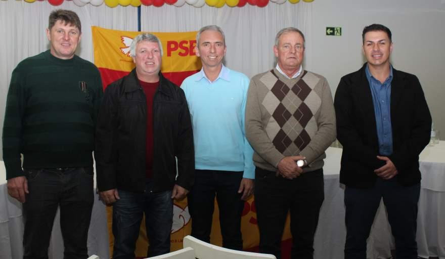 O novo filiado com três vereadores do PSB e o prefeito Paulo Butzge