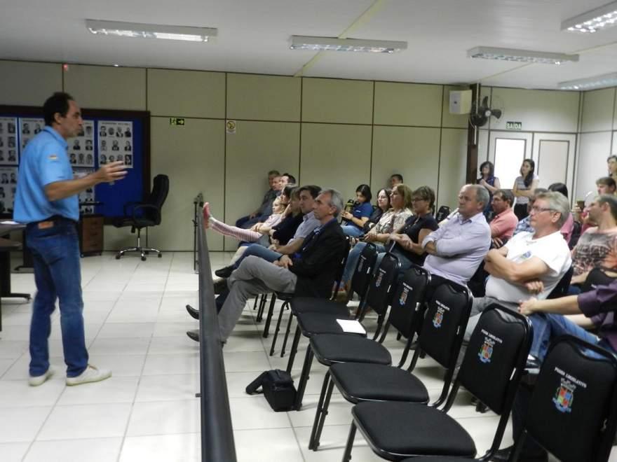 Sanderlei Pereira apresentou um relatório das atividades da Emater/Ascar