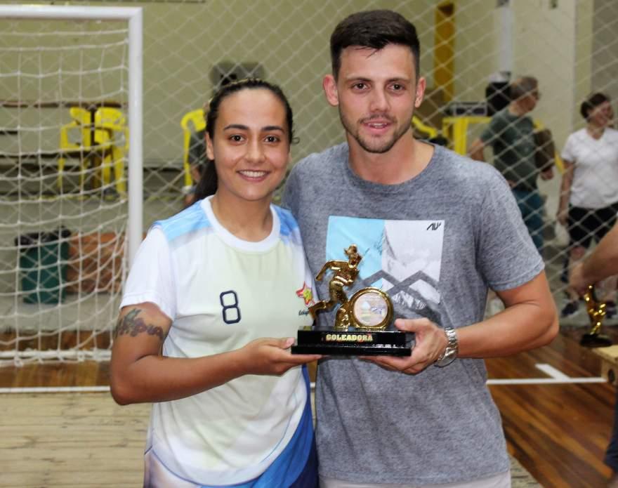 Thaline, goleadora do feminino