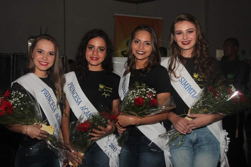A nova corte dos jovens rurais: Diulia, Ágata, Luana e Fernanda