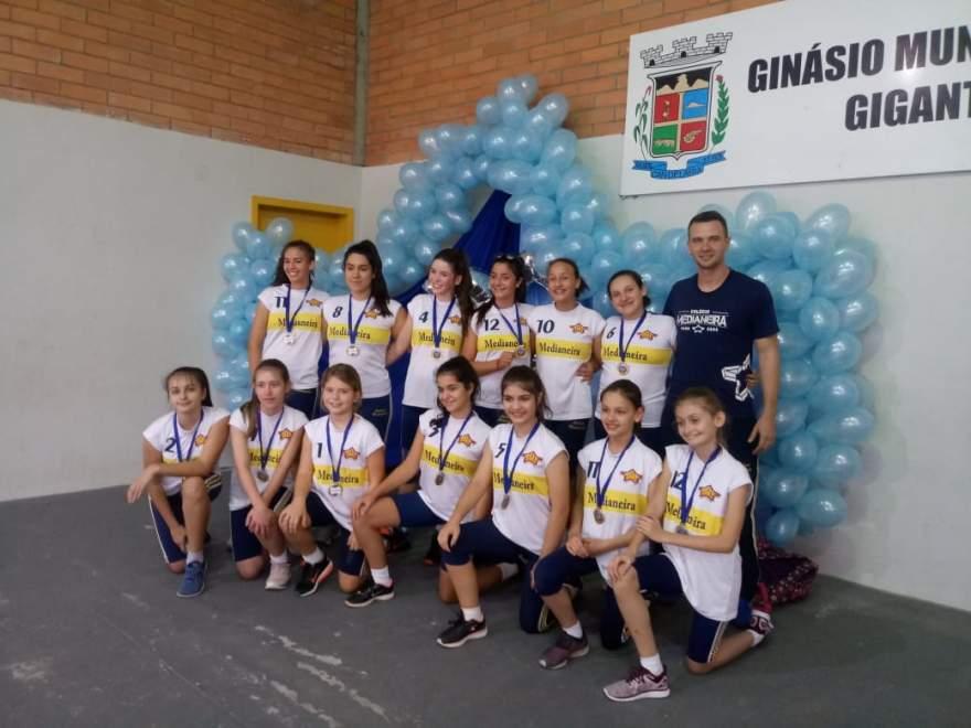 Medianeira: campeão infantil feminino