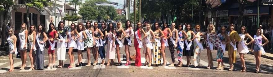 Musas realizaram registro na Avenida Pereira Rego, no centro da cidade