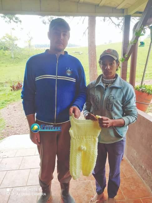 O casal Vandoir e Loreni Seibert, de Herveiras, ambos de 24 anos (Foto: Jornal Serrano)