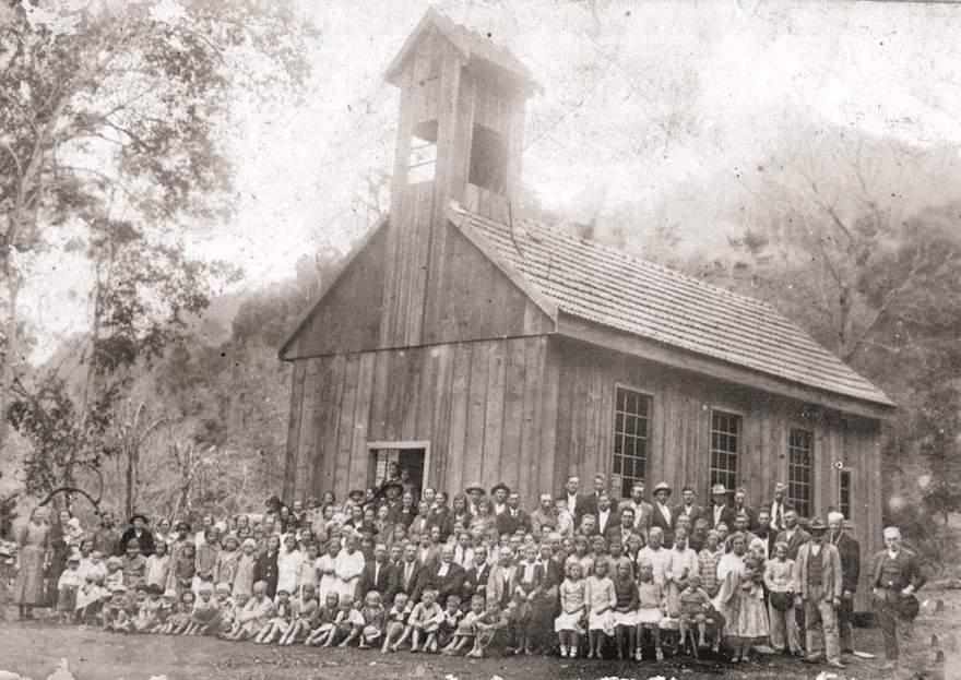 Para a posteridade: inauguração da primeira igreja Sinodal na década de 30