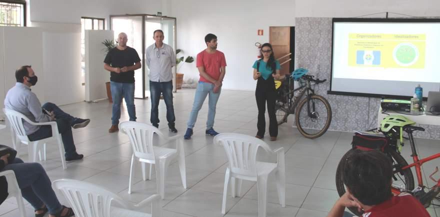 Projeto foi apresentado para os municípios da região em reunião na Casa de Cultura