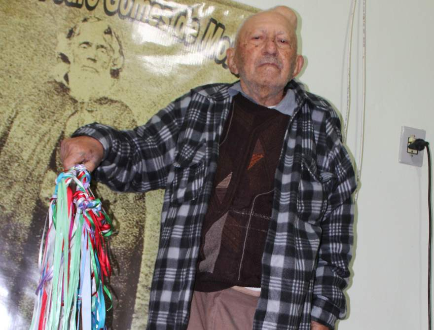 Pedro Gomes de Moraes, um dos guardiões do cajado: tradição que passa de uma geração a outra (Crédito: Tiago Mairo Garcia)
