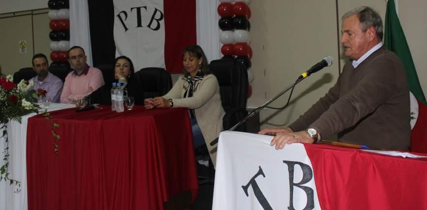 Vice-presidente Nestor Ellwanger agradeceu, em nome do executivo, o apoio da família Moraes ao município