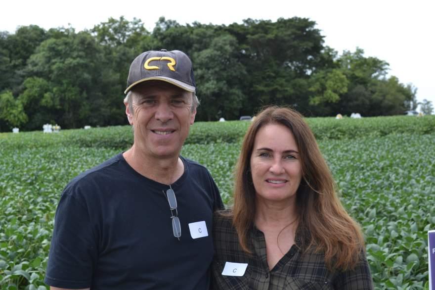 "José Luis e Giovana Brixner ""Importante ter novas sementes que se adaptam ao nosso tipo de solo"""