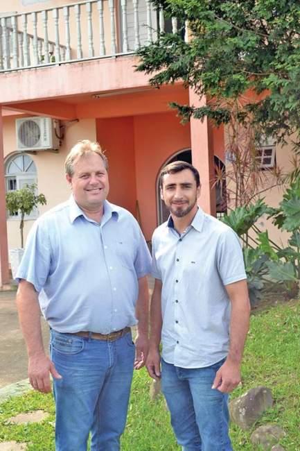 Vice-prefeito Larri (E) será figura máxima da administração durante as férias do prefeito André de Lacerda (Foto: Arquivo • Folha)
