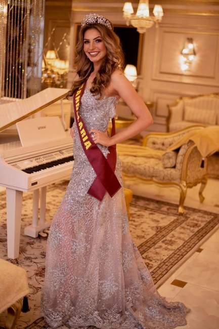 Priscila Moraes é Candelária no Miss Latina