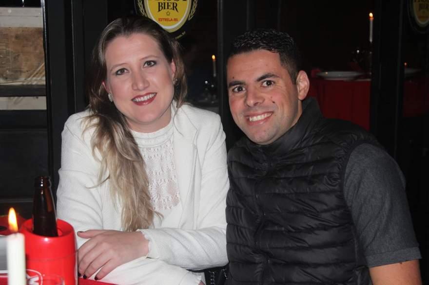 Aline Aggens e Rafa Souza