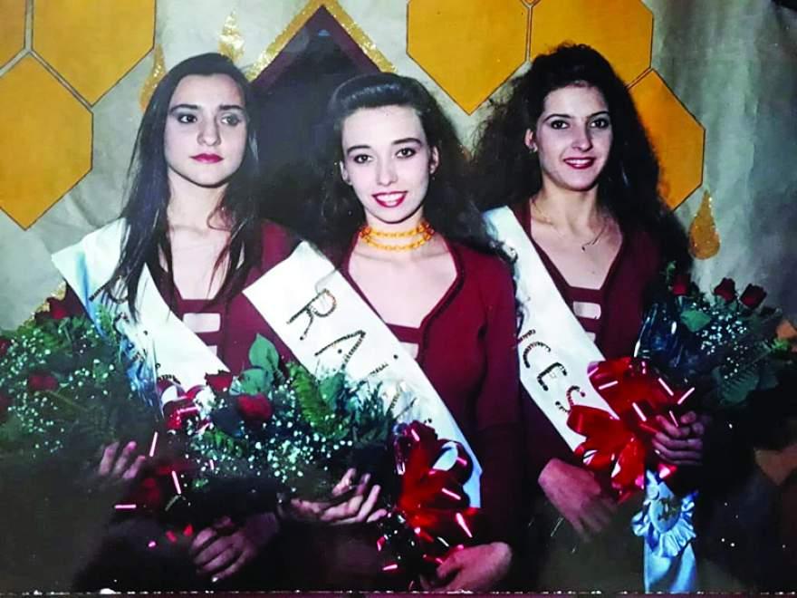 As soberanas da II Femel, Rainha Cristina Butzge com as Princesas Cleidi Mohr e Michelle Oliveira