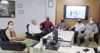 Roberto Argenta faz primeira visita ao prefeito Nestor Ellwanger