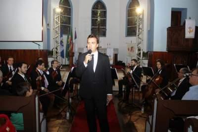 Apresentação contou com a regência do maestro Leandro Schaefer