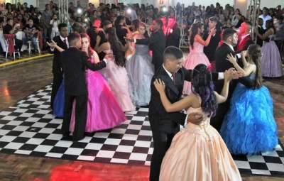 Baile dos Sonhos: uma noite mágica e inesquecível para 15 jovens