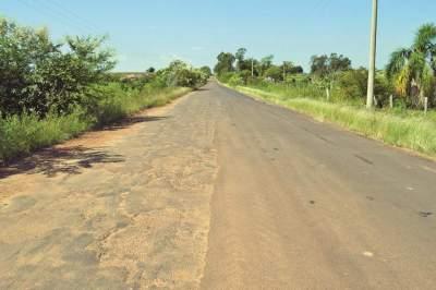 No trecho pavimentado a parte até onde o novo asfalto foi instalado