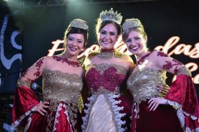 Rosieli, Samara e Raíssa se despediram das funções de rainha e princesas de Novo Cabrais
