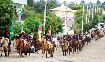 Peões e prendas celebram o 20 de Setembro em Candelária
