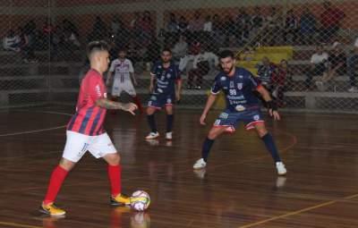 No final do jogo, a UJR usou um goleiro-linha, mas o Atlético seguiu se defendendo bem