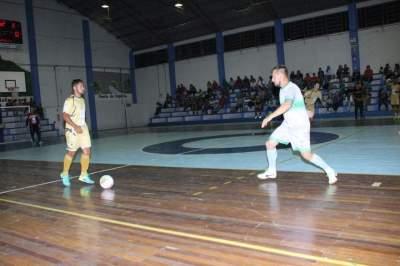 Municipal de Futsal: Mariano e Semal vencem pela 5ª rodada