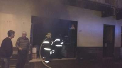 Explosão de capacitor causa incêndio no Mercado Klafke