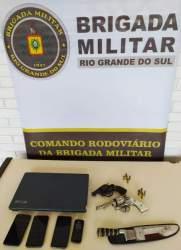 Força Tática da Polícia Rodoviária prende quatro indivíduos armados em Novo Cabrais