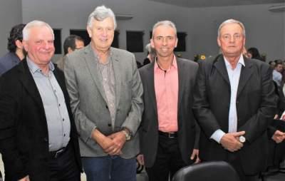 Rui Beise, Luis Carlos Heinze, Prefeito Paulo Butzge e vice Nestor Ellwanger